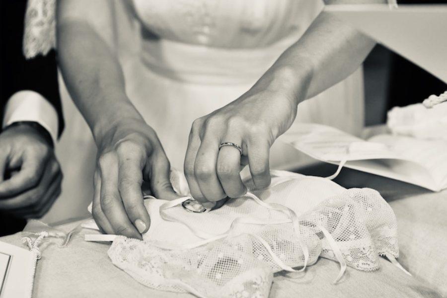 Il porta fedi perfetto per il tuo matrimonio