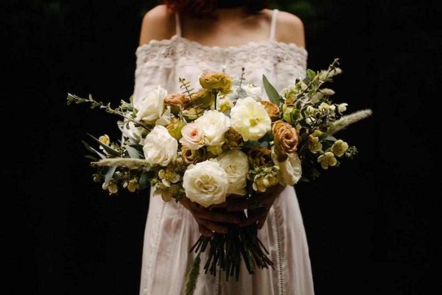 L'amore non ha età: tra pizzi e colori…l'abito da sposa perfetto per le over 40